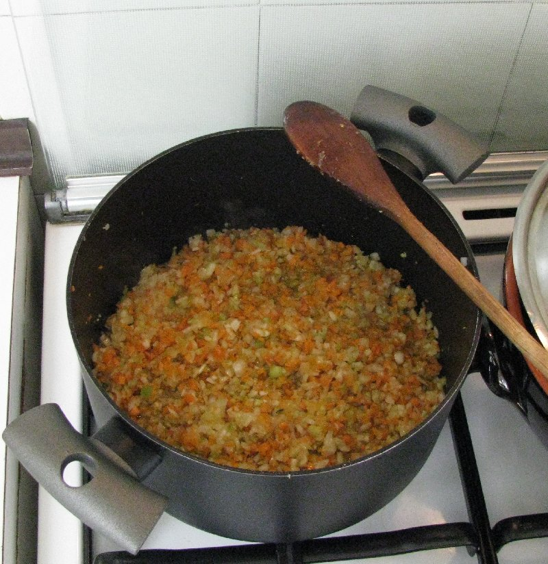 Click image for larger version  Name:Pan with onions.jpg Views:157 Size:157.7 KB ID:9201